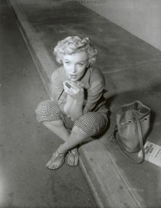 Photo by Ernst Bachrach on the set of 'Clash by Night', 1952. Note Marilyn's copy of 'The Thinking Body', a book recommended to her by Michael Chekhov.