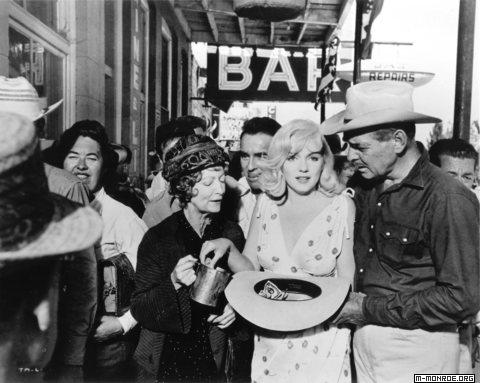 """Misfits, The"" Estelle Winwood, Marilyn Monroe, Clark Gable 1961 / UA **R.C."