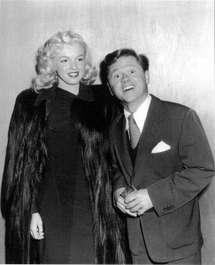 maril68yn-20091222122237-Marilyn_and_Mickey_Rooney_At_Emporers_Waltz_Premiere_1948_01-original