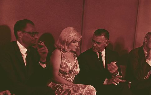 Marilyn with Arthur Miller and Clark Gable at a press conference for 'The Misfits'.