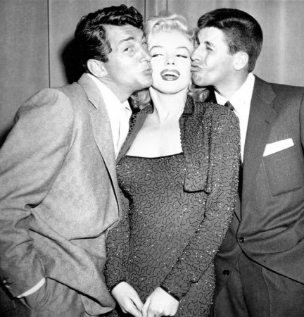 Marilyn with Dean Martin (left) and Jerry Lewis (right) at the Redbook Awards, 1953