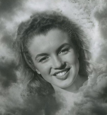 Photo by Andre de Dienes