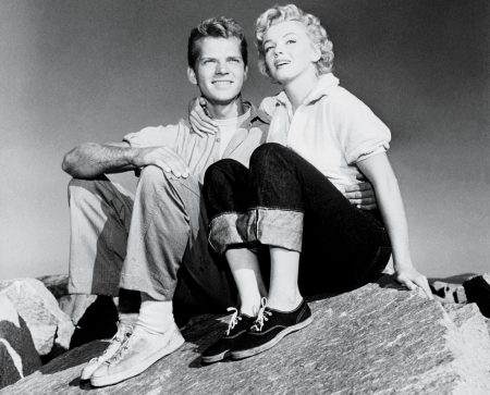 Marilyn with co-star Keith Andes in 'Clash by Night'