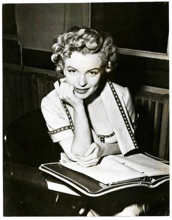 Marilyn at UCLA, 1952 (photo by Mel Traxel)