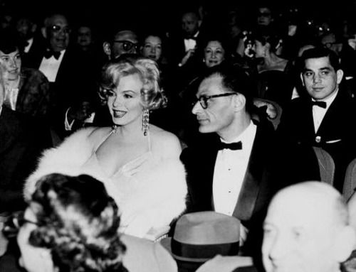 Marilyn at the Chicago premiere of 'Some Like It Hot' with Arthur Miller, 1959